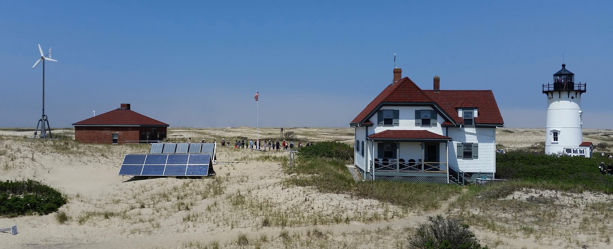 Race Point Lighthouse Off-grid solar
